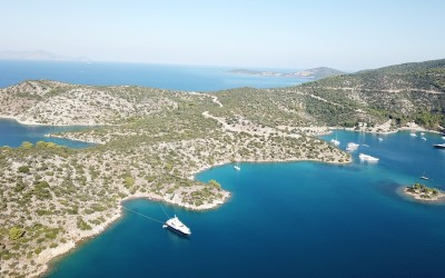 Swimming spots in Poros | Sail in Greek Waters
