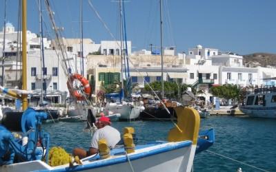 Milos Island: Adamantas port