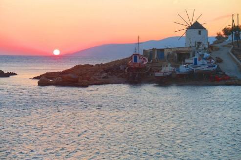 Sunset on the endless Aegean Sea: Koufonissi island