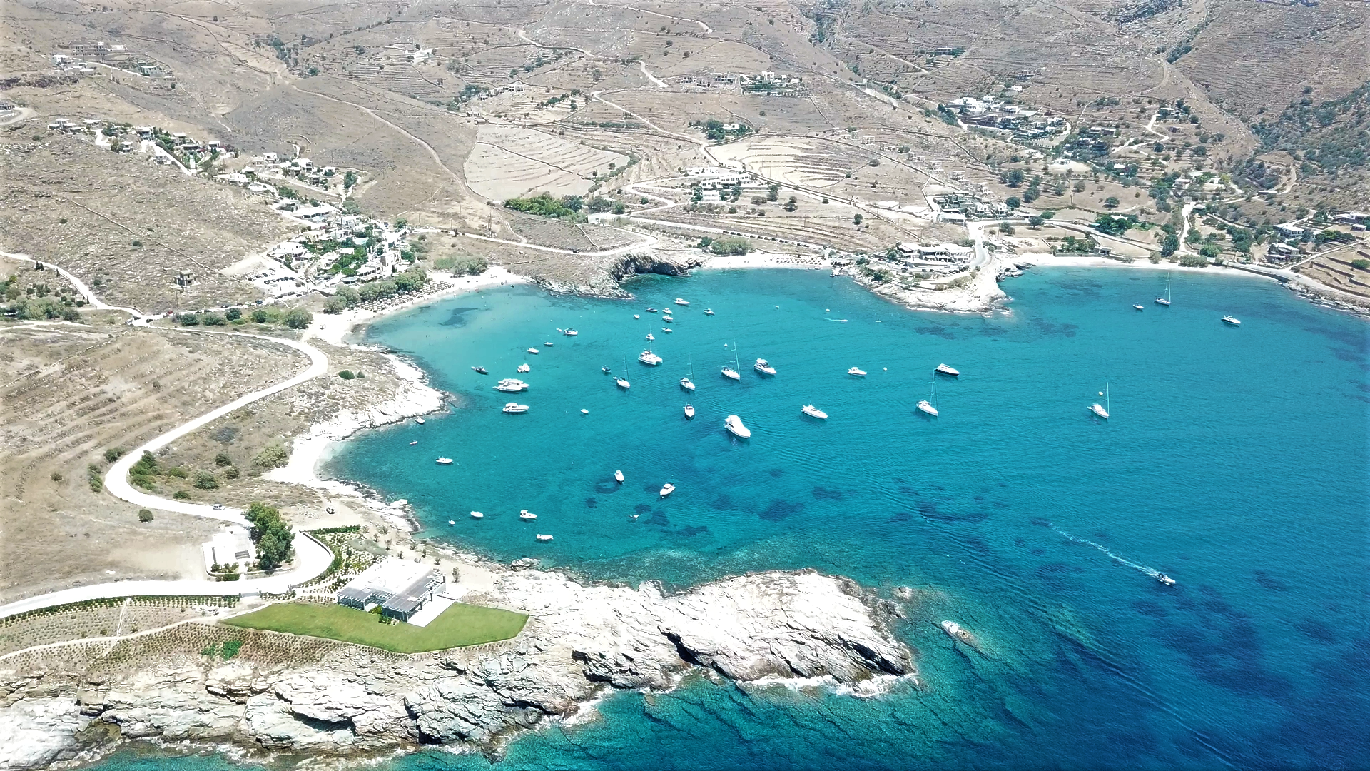 Bay of Koundouros - countless sailing destinations - Sail in Greek Waters
